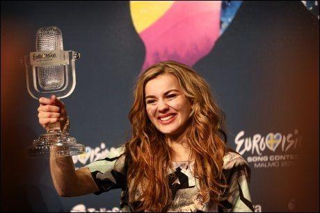 NY DANSK FOLKEHELT: 20-årige Emmelie de Forest, som vant Melodi Grand Prix i natt. Foto: Mattis Sandblad, VG