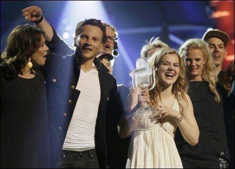 VINNEREN: Emmelie de Forest vant med låten «Only Teardrops». Foto: AP