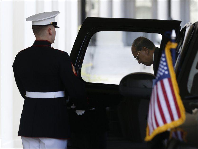 I WASHINGTON: Her ankommer president Thein Sein Det hvite hus for å møte Barack Obama. Foto: Reuters / NTB scanpix