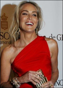 I FESTHUMØR: Sharon Stone. Foto: Pa
