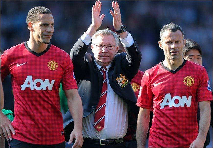 FORTSETTER: Alex Ferguson (midten) gir seg som Manchester United-manager, men kontinuitetsbærere som Rio Ferdinand (t.v.) og Ryan Giggs fortsetter karrieren. I dag skrev Ferdinand under på en kontraktsforlengelse med klubben. Foto: Nick Potts/PA Photos