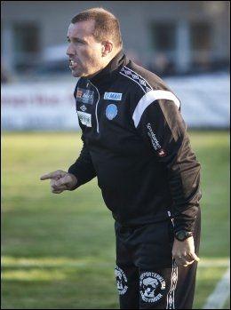NORDLIE-MAGI: Tom Nordlie er kjent for å være engasjert når laget hans spiller. Her fra tiden som Kongsvinger-trener. Foto: Geir Olsen, VG