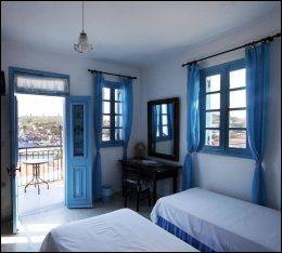 IDYLLISK: Soverommet er som tatt ut av Mamma Mia-filmen. Foto: MONA LANGSET