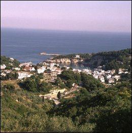 ALONISSOS: Den minste og den frodigste av de bebodde øyene i Sporadene. Foto: EGIL SVENDSBY