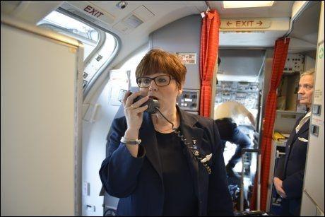 LYTT TIL KROPPEN! Marit Hansen har vært flyvertinne på langdistanseflyginger i 20 år. Foto: MONICA BRING ESTENSEN/VG