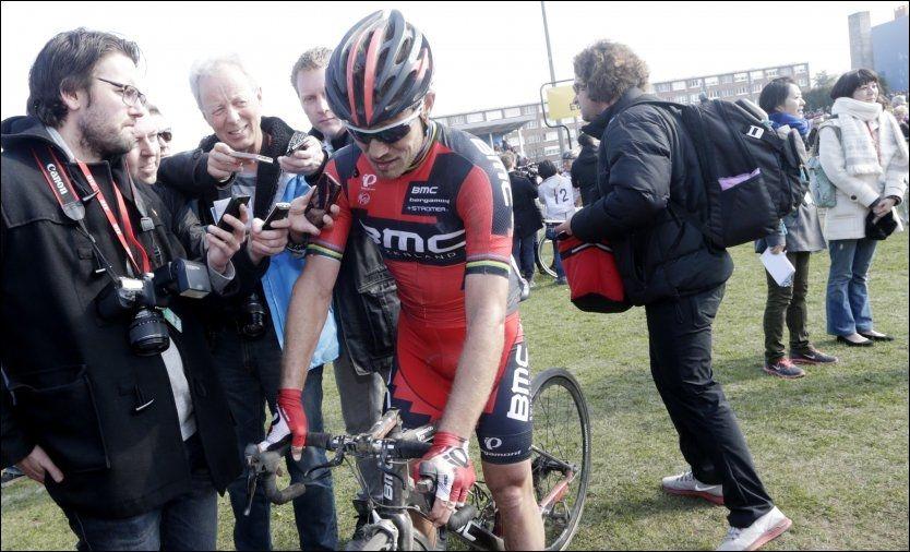 SLITER: Thor Hushovd, her under Paris-Roubaix, må kjempe for å få sykle Tour de France i år. Foto: Daniel Sannum Lauten, NTB Scanpix