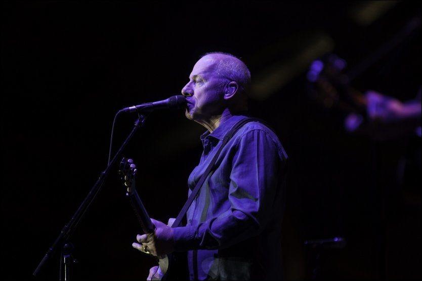 ROCKESTJERNE: Det var utsolgt under Mark Knopfler-konserten i Hamar tirsdag. Foto: Jo E. Brenden VG, telefoto Foto: Jo E. Brenden