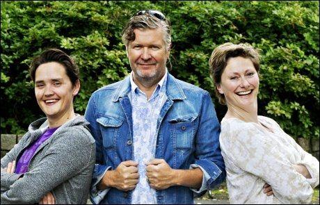 ERFAREN TRIO: F.v.: Frank Kjosås, regissør Per-Olav Sørensen og Kjersti Elvik - her på et bilde fra i fjor sommer. Foto: JAN P. LYNAU
