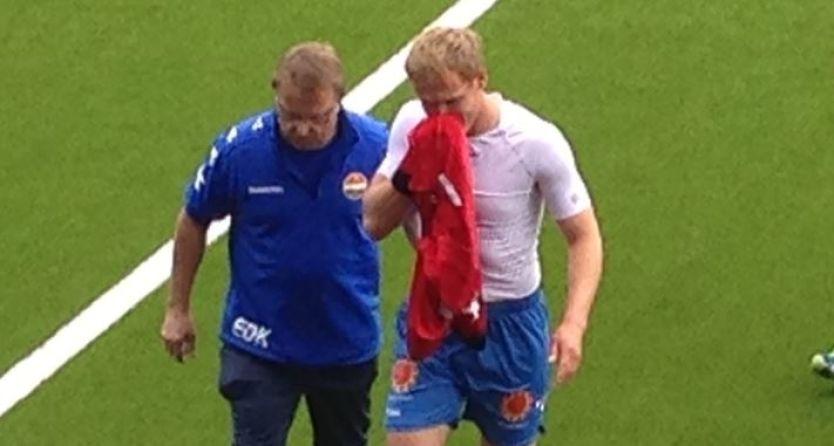 STYGG SMELL: Jaroslaw Fojut måtte forlate banen med en skade han pådro seg under oppvarmingen. Foto: Sondre Nilsen