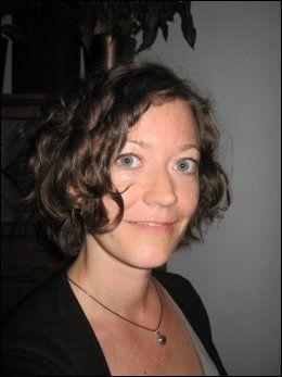 JUSHJELP: Lene Løvdal, juridisk rådgiver i LLH, etterlyser sterkere virkemidler for å slå ned på diskriminering av transpersoner i arbeidslivet. Foto: Privat