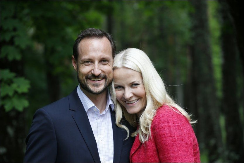 SØT MUSIKK: Kronprins Haakon har tidligere uttalt at det var musikkinteressen som sendte ham i armene på Mette-Marit Tjessem Høiby i 1999. Nå vil kronprinsessen hedre prinsen med musikk. Foto: LISE ÅSERUD/NTB SCANPIX