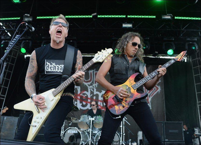 FEIRET «KILL 'EM ALL»: I sommer spilte Metallica hele sitt debutalbum under sin egen festival, Orion Music More. Fra venstre: James Hetfield, Lars Ulrich (bak) og Kirk Hammett. Foto: AFP