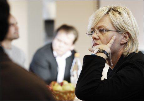 KUNNSKAPSMINISTER: Kristin Halvorsen (SV). Her møter hun lærerne på Bjørnholt skole i 2010. FOTO: MAGNAR KIRKNES