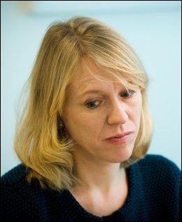 - TRAGISK: Arbeidsminister Anniken Huitfeldt (Ap) sier at tankene går til familie og venner (Foto: JAN PETTER LYNAU)