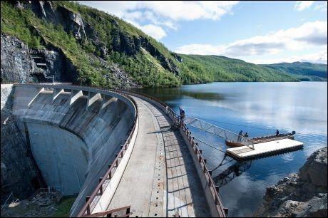 FREDELIG TIL SLUTT: Ingen kraftutbygging i Norge har vært gjenstand for større protester enn Altademningen. Nå er det likevel rolig der. Foto: Gjermund Glesnes