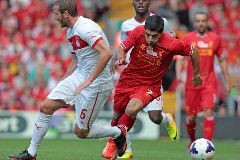 SNUR? Her er Luis Suarez i aksjon for Liverpool under Steven Gerrards testemonialkamp mot Olympiakos tidligere i august. FOTO: Afp