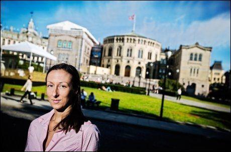 LIDER: Sexarbeider Hege Grostad mener sexarbeidere lider under dagens prostitusjonslovgivning. Foto: Jørgen Braastad