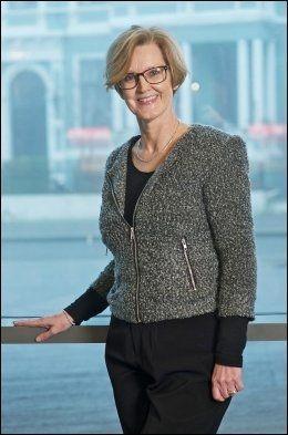 PROFESSOR: - Merkel og Solberg er like som typer, mener statsvitenskap-professor Anne Lise Fimreite. Hun tror Norge nå er klar for en regjeringssjef i Solbergs kategori. Foto: UNIVERSITETET I BERGEN