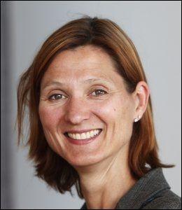 FORNØYD: Kommunikasjonssjef Marianne Hagen ved Slottet. Foto: KNUT FALCH/SCANPIX