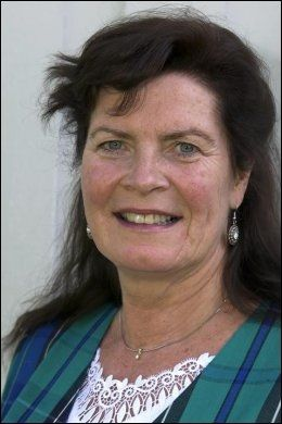GRATULERER LISTHAUG: Leder Ann Merete Furuberg i Norsk Bonde- og småbrukarlag. Foto: NORSK BONDE- OG SMÅBRUKARLAG