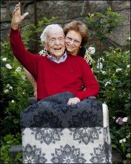 EKTEFELLER: Stein Grieg Halvorsen og kona Vibeke Laura Mowinckel Halvorsen i 2011. Foto: JANNE MØLLER-HANSEN