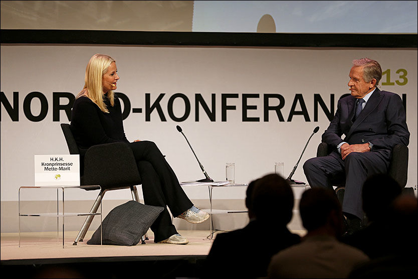 GLEDET SEG: Kronprinsesse Mette-Marit fortalte at hun hadde gledet seg til konferansen og samtalen med Tore Godal. Foto: Jan Petter Lynau