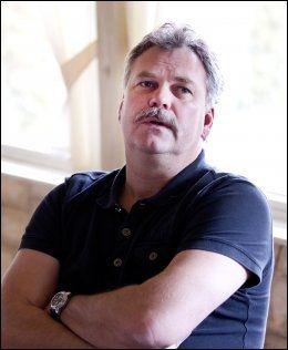 - INNENFOR GRENSEN: TV 2s håndballkommentator Harald Bredeli, her fra Serbia i fjor. Foto: Gorm Kallestad, NTB Scanpix