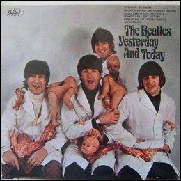 KONTROVERSIELT: The Beatles poserte som slaktere med kjøttstykker og istykkerrevne babydukker på albumet «Yesterday And Today». Coveret ble fort erstattet av et mer stuerent bilde.