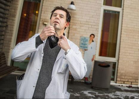 ADVARER MOT NEURONTIN: Forsker Mattias Linde mener at all bruk av Neurontin, med virkestoffet gabapentin, mot migrene må opphøre. Foto: Øyvind Nordahl Næss