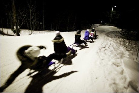KORKETREKKEREN: I nærheten av Oslo Vinterpark ligger denne berømte akebakken, som man også kan benytte på kveldstid. Foto: ANETTE KARLSEN