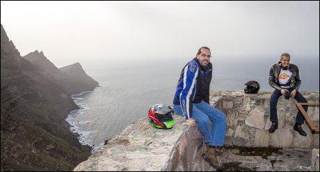 MC-TUR: Jose Antonio Garcia og Jorge Toledo liker landskapet på vestsiden av Gran Canaria.