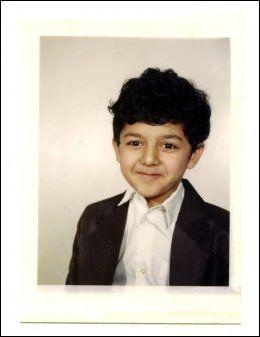 PORTRETT: Familien tok flere bilder av Ubaydullah Hussain i 5-årsalderen før han begynte på Sagene barneskole på begynnelsen av 1990-tallet. Foto: PRIVAT