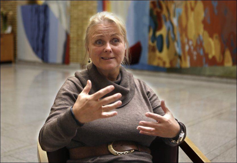 VIL HA POKERTURNERING: Kulturminister Thorhild Widvey. Foto: Nils Bjåland