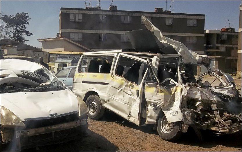 TO OMKOM:En norsk mann og kvinne, begge i 19-20 årsalderen, omkom i en alvorlig ulykke mellom en minibuss og en lastebil i Nanyuki i Kenya under en skoletur i regi av Valdres Folkegøgskule. Foto: AP Photo