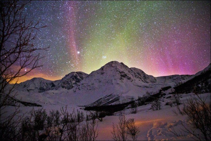 NORDLYS: Det vakre nordlyset ble sett så langt sør som i Essex i England, melder The Guardian. Bildet er et illustrasjonsfoto fra Lyngen i Troms. Foto: ØYVIND NORDAHL NÆSS