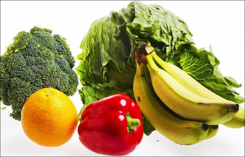 SUNT OG GODT: Helsedirektoratets nye kostholds- og ernæringsråd oppfordrer blant annet nordmenn til å spise mer frukt og grønt, kostfiber og fullkornsfiber.FOTO: FRODE HANSEN/VG
