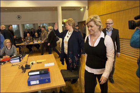 FORHANDLINGSBORDET: I tre dager skal finansminister Siv Jensen (Frp) lede budsjettforhandlingene på Hurdalssjøen hotell i Akershus: Foto: NTB SCANPIX