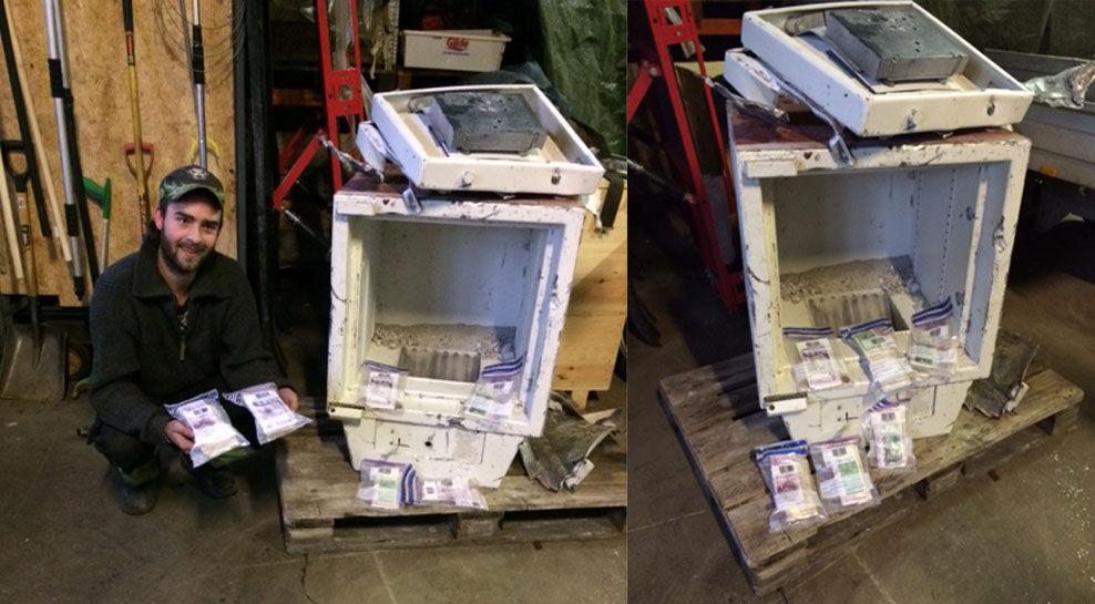 GRAVDE UT PENGER: John Erik Tveitdal (t.v.) bestemte seg for å åpne en kastet safe, og fant hauger med penger. Foto: NORSK GJENVINNING
