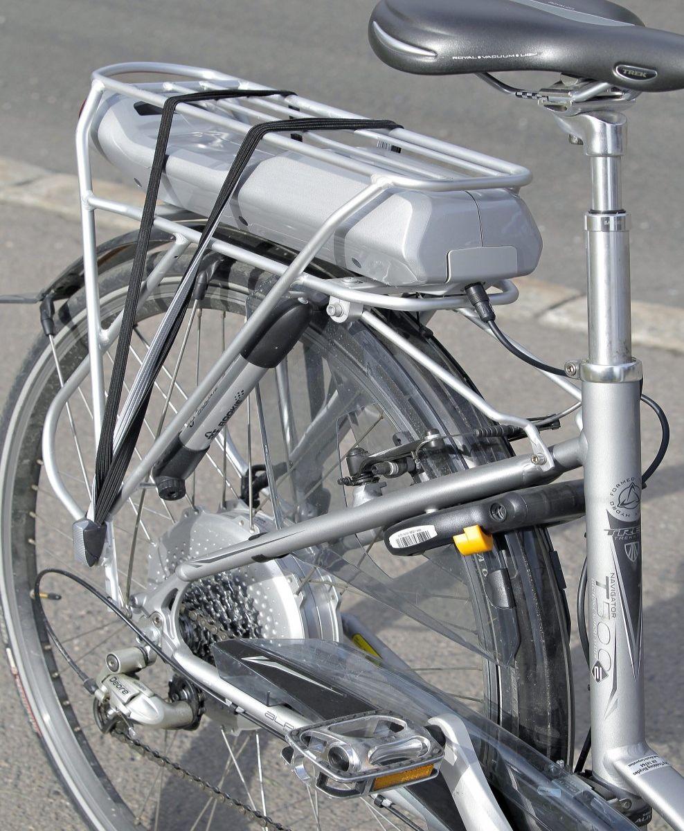 GIR SUPERKREFTER: Batteri og el-motor på sykkelen gjør den til en miljøvennlig kraftpakke. For avgiftsfritakene på én Tesla, kan staten gi momsfritak på minst 100 el-sykler. Foto: VG