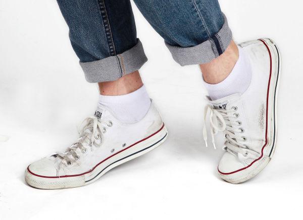 af96a3d0 IKKE SLIK: Skitne sko og synlige sokkekanter bør unngås om du ønsker å ta  deg