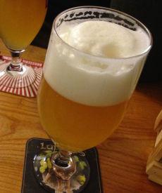 En halvliter øl gir 200 kcal.