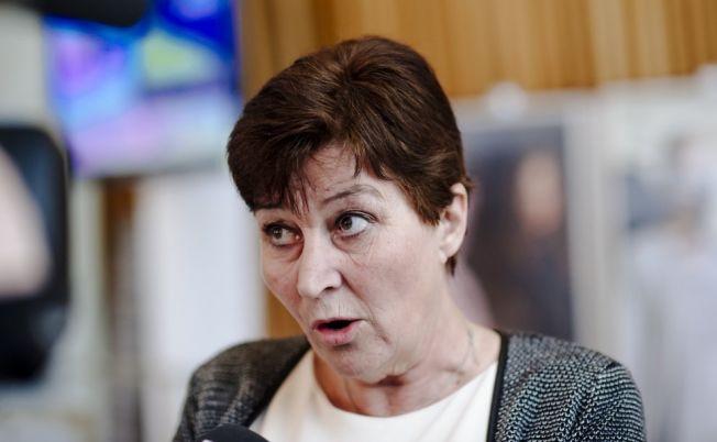 <p>BER ERIKSSON SNU: Gerd Kristiansen hevder at regjeringen vil foreslå å øke adgangen til midlertidige ansettelser. Hun reagerer sterkt på at LO ikke har blitt tatt med på prosessen, og kaller forslaget et hån mot det organiserte arbeidslivet.<br/></p>