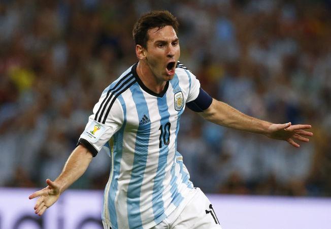 <p>ENDELIG! Lionel Messi slet før pause, men jublet vilt da han banket inn 2-0-målet bak Asmir Begovic etter pause.<br/></p>