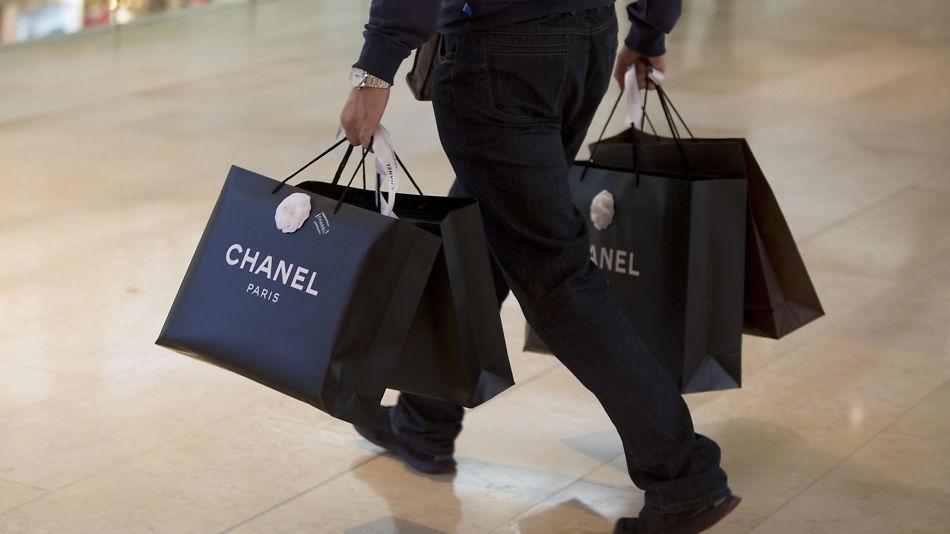 8f8018c0 KOSTBARE VARER: En Chanel-veske kan gjerne ha verdi fra 20.000 kroner og  oppover