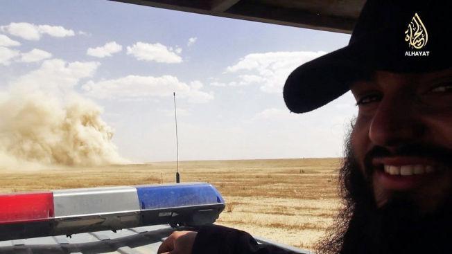 <p>KRAFTIG: I videoen viser den norsk-chilenske islamisten Bastian Alexis Vasquez (24) hvordan opprørsgruppa sprenger en politistasjon i lufta. Stasjonen ligger i grenseområdene mellom Syria og Irak. Det er ikke kjent om noen ble drept.<br/></p>