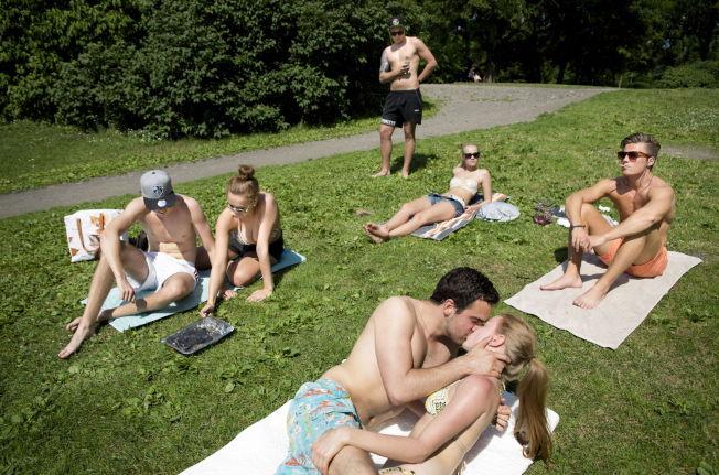 bondage kjærlighet nakne jenter fra italia