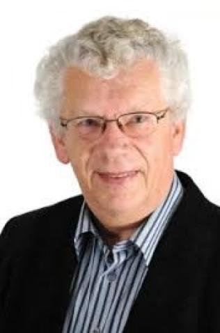 KRITIKER: Karl Johan Hallaråker, medlem i KrFs sentralstyre.