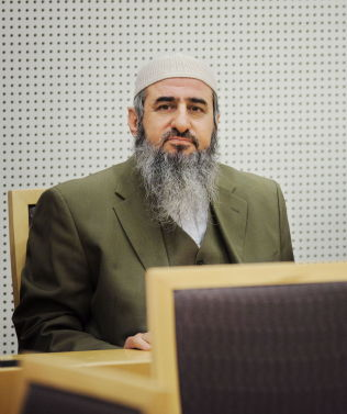 <p>PÅ FLERE LISTER: Mulla Krekar (Najmuddin Faraj Ahmad) er oppført på USAs EUs og FNs terrorliste.<br/></p>