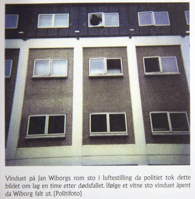 <p>FAKSIMILE: Bildet av det aktuelle vinduet hentet fra boken Hvem drepte Jan Wiborg av Knut Lindh.<br/></p>