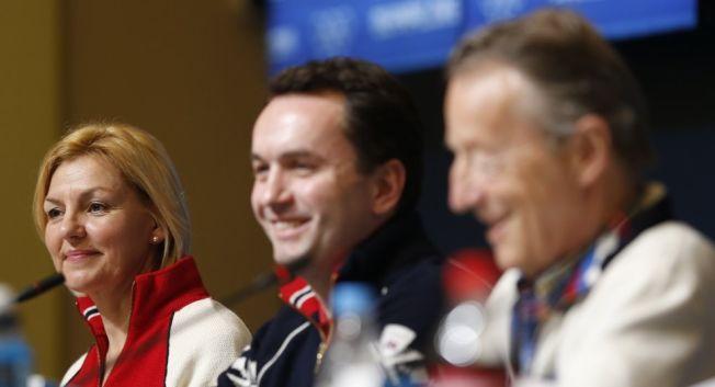 <p>SLUTTSPURT: OL-direktør Eli Grimsby, her med byrådsleder Stian Berger Røsland og IOC-medlem Gerhard Heiberg, får i løpet av dager, uker eller noen få måneder vite om OL-drømmen lever videre. I høst avgjør Stortinget den norske søknadens skjebne. Foto: Scanpix</p>